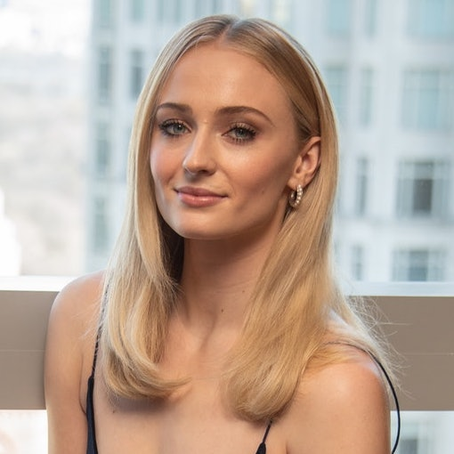 Sophie Turner Just Debuted A Bold New Hair Color & WOW