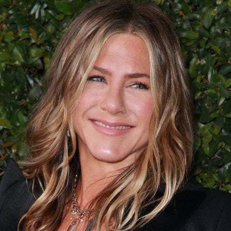 Jen Aniston's Favorite Rachel Green Outfit Is Probably Yours, Too